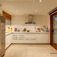 Doncell Beach Estepona_5 bedroom duplex penthouse_kitchen_Realista Quality Properties Marbella