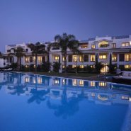 Doncella Beach 3 bedroom apartment_by night_Realista Quality Properties Marbella