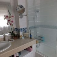 stepona center 3 bedroom apartment for sale_Master bathroom_Realista Quality Properties Marbella