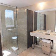 For Sale Modern 5 bedroom Villa Los Flamingos Golf Resort_Guest bathroom XII_Realista Quality Properties Marbella