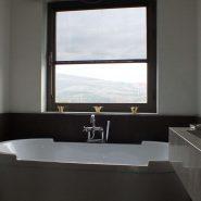 For Sale Modern 5 bedroom Villa Los Flamingos Golf Resort_Guest bathroom X_Realista Quality Properties Marbella