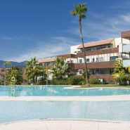Hoyo 19 Los Flamingos Golf Resort_2 bedroom apartment_Communal pool area III_Realista Quality Properties Marbella