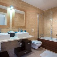 Hoyo 19 Los Flamingos Golf Resort_2 bedroom apartment_bathroom_Realista Quality Properties Marbella