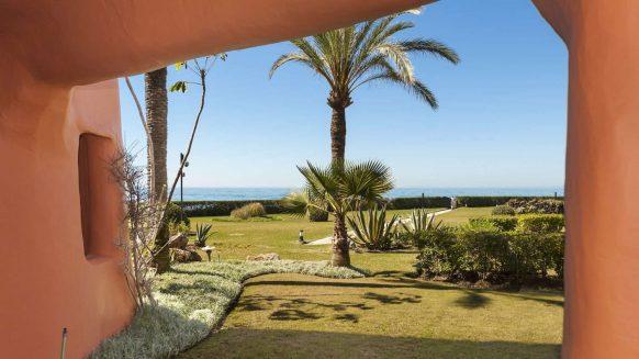 La Morera Los Monteros strand_tuin_Realista Quality Properties Marbella