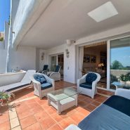 Las Lomas de la Quinta Benahavis_ground floor corner apartment for sale_terrace_Realista Quality Properties Marbella