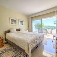 Las Lomas de la Quinta_ground floor 2 bedroom apartment_Master bedroom_Realista Quality Properties Marbella