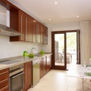 Lomas del Rey Golden Mile_kitchen_Realista Quality Properties Marbella