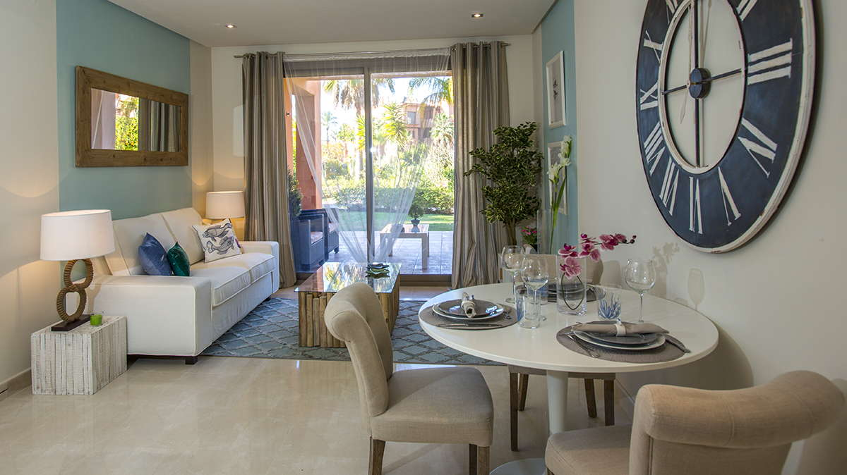Three bedroom apartment with sea views in Estepona
