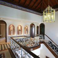 Villa La Alqueria_hall way III_Realista Quality Properties Marbella
