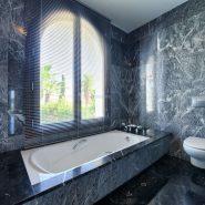 Villa Los Flamingos 5 bedroom_ master bathroom_Realista Quality Properties Marbella