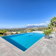 Villa Los Flamingos 5 bedroom_swimming pool and view I_Realista Quality Properties Marbella