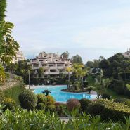 Capanes del Golf apartment_View towards swimming pool_Realista Quality Properties Marbella