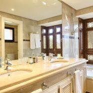La Alzambra Puerto Banus_guest bathroom_Realista Quality Properties Marbella