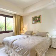 La Alzambra Puerto Banus_guest bedroom_Realista Quality Properties Marbella