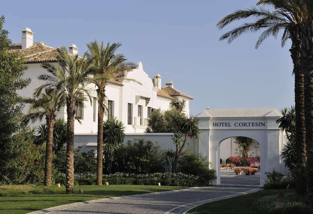 Villa te koop finca cortesin casares realista for La scala marbella