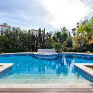 Villa Nueva Andalucia te koop_ loop afstand Puerto Banus Marbella_ Realista Quality Propeties Marbella 1