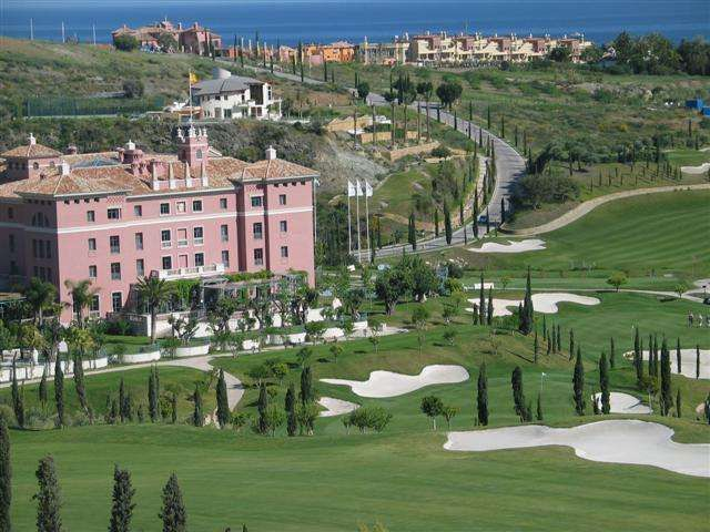 Los Flamingos Golf club house view 2