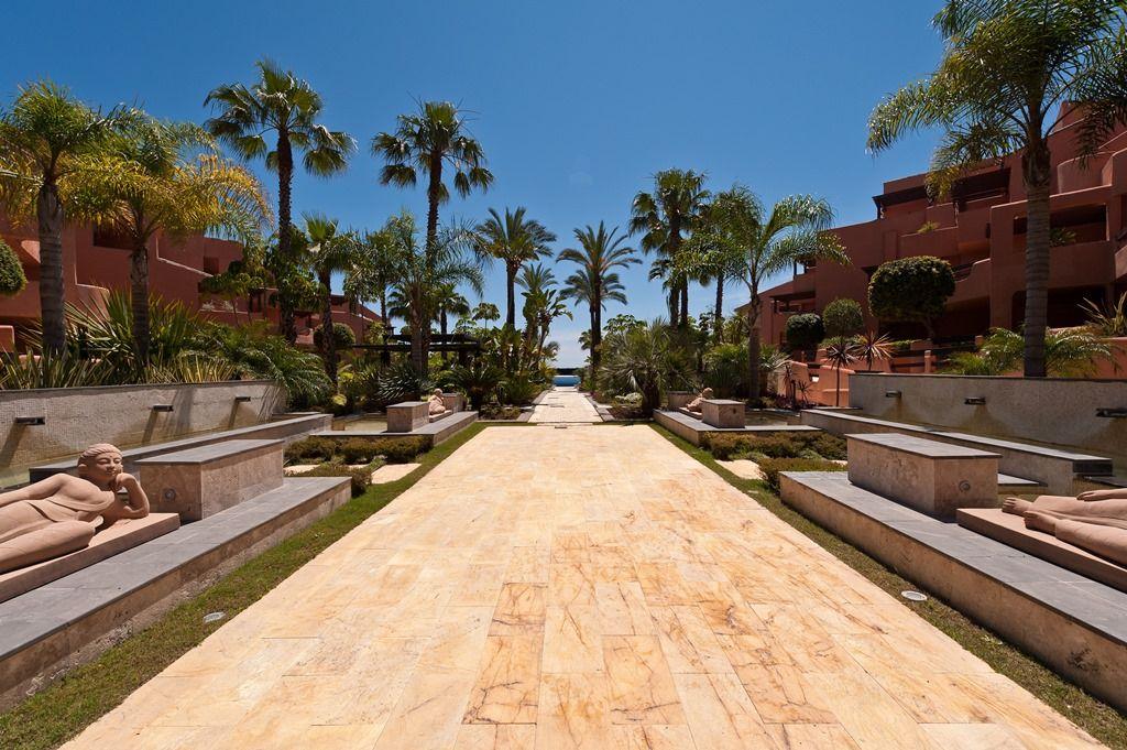 Magnificent Modern Homes For Sale Near Marbella Realista