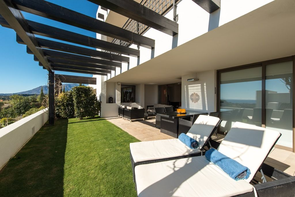 Magnificent modern homes for sale near marbella realista - Modern houses terrace ...
