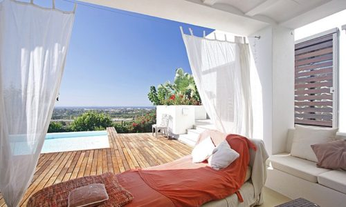 romantic villas for sale in marbella 3 lounge deck
