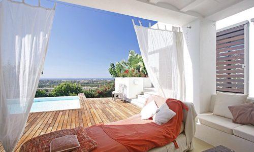 romantic villas for sale in marbella 3 lounge deck