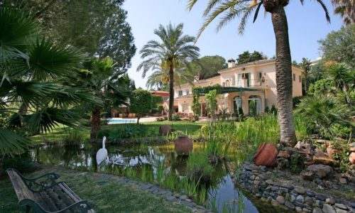 romantic villas for sale in marbella 4 garden