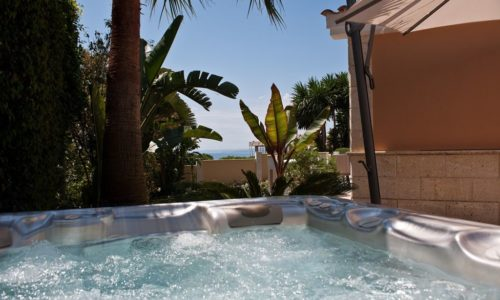 romantic villas for sale in marbella 5 jacuzzi