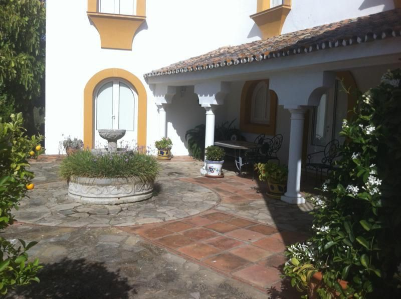 traditional andalucian villas in Marbella