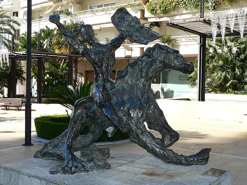 must see things in Marbella dali statues