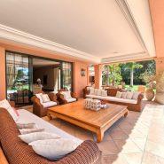 Country style villa beachside guadalmina san pedro marbella_Terrace_Realista Quality Properties Marbella