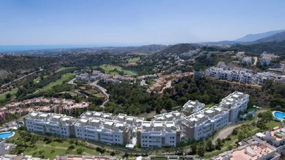 Three bedroom ground floor apartment for sale in Botanic Los Arqueros Benahavis