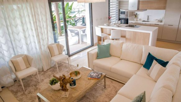 Botanic Los Arqueros new project_Living room open plan kitcehn_Realista Quality Properties Marbella