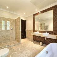 Marbella Club Golf Resort Benahavis_Guest bathroom_ Realista Quality Properties Marbella
