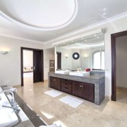Marbella Club Golf Resort Benahavis_Master bathroom_ Realista Quality Properties Marbella
