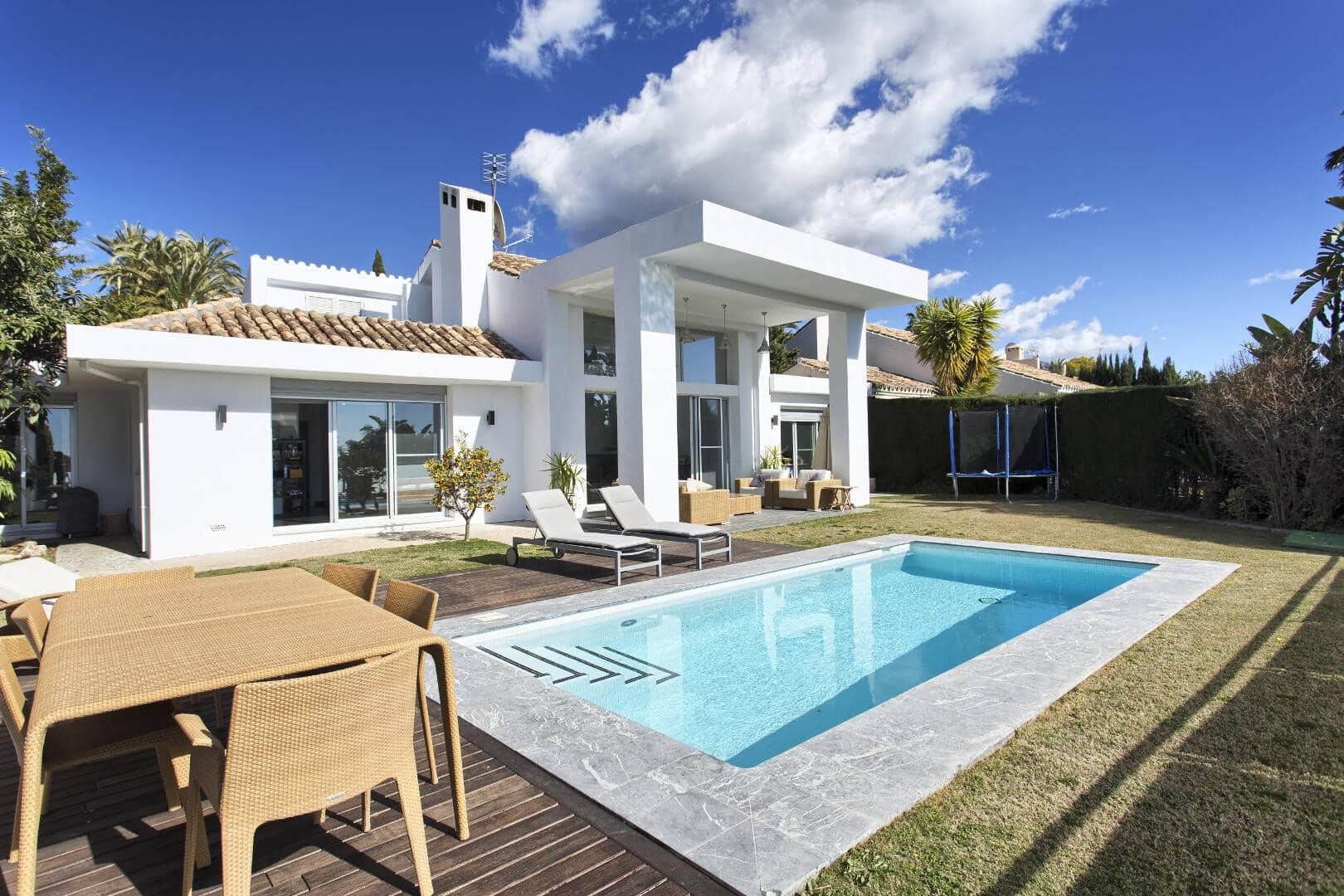 Villa for sale Los Naranjos Golf Nueva Andalucia Marbella