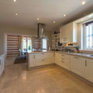 Villa El Capitan Benahavis_kitchen_Realista Quality Properties Marbella