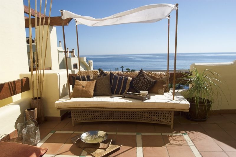 Fantastic 3 bedroom duplex penthouse front line to the beach in luxury Bahia del Velerin Estepona
