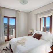 Benahavis Hills Country Club_Master bedroom_Realista Quality Properties Marbella