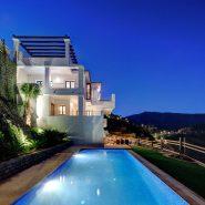 Benahavis Hills Country Club_Villa at night I_Realista Quality Properties Marbella