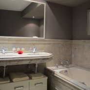 Casablanca Beach_2 bedroom duplex apartment_bathoom_Realista Quality Properties Marbella