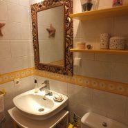 Estepona center 3 bedroom apartment for sale_guest bathroom I_Realista Quality Properties Marbella