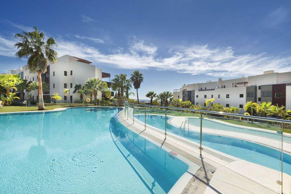 Hoyo 19 Los Flamingos Golf Resort_2 bedroom apartment_Communal Pool_Realista Quality Properties Marbella