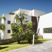 Hoyo 19 Los Flamingos Golf Resort_2 bedroom apartment_entrance_Realista Quality Properties Marbella