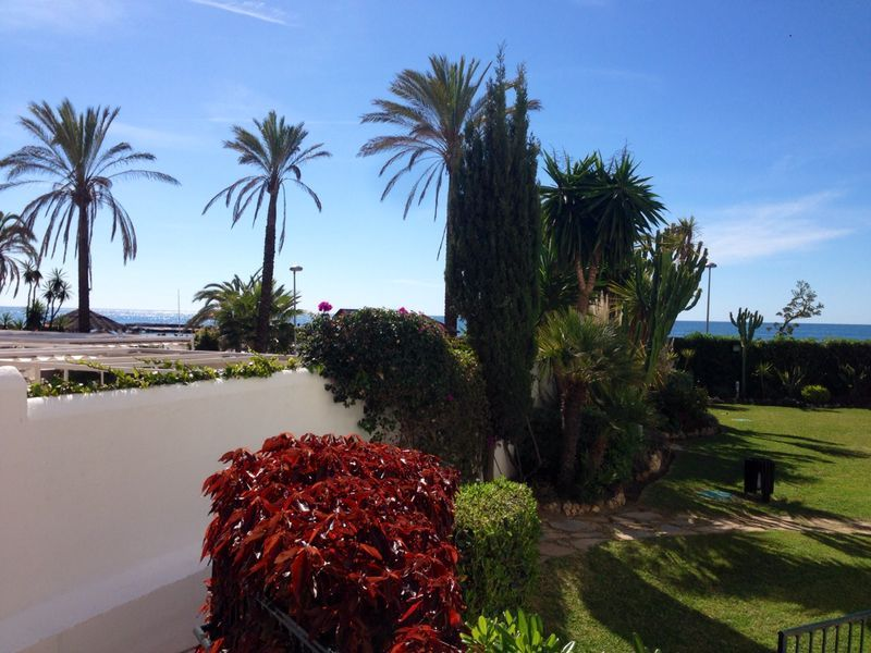 Beachside apartment next to Mistral Beach Marbella