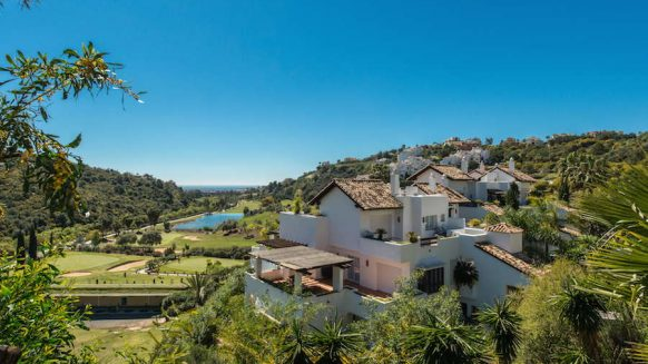 Las Lomas de la Quinta benahavis_3 bedroom duplex penthouse for sale_Realista Quality Properties Marbella