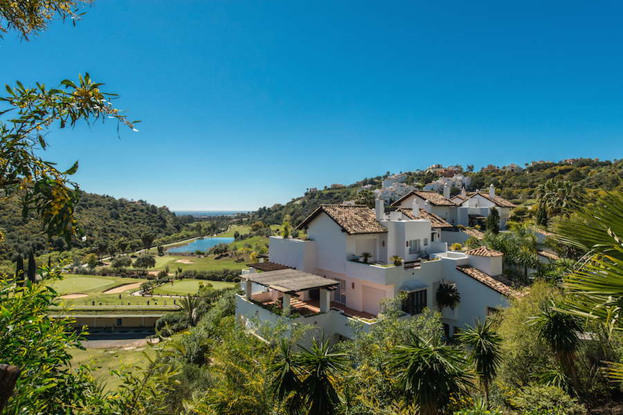 Fantastic front line golf duplex penthouse for sale with - Iproperty marbella ...
