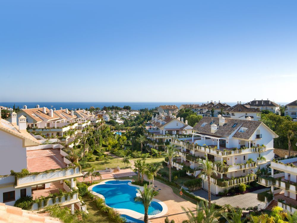 Spacious and Luxury 4 bedroom duplex penthouse for sale on The Golden Mile in Marbella