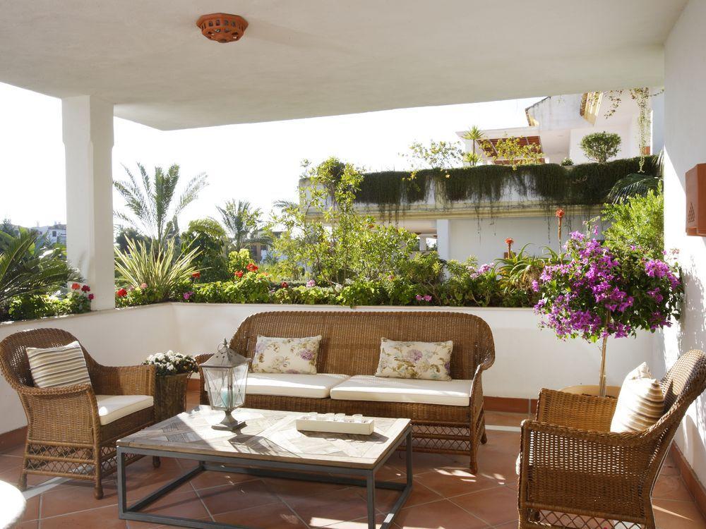 3 bedroom ground floor apartment Lomas del Rey Golden Mile Marbella