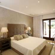 Lomas del Rey Golden Mile_master bedroom_Realista Quality Properties Marbella