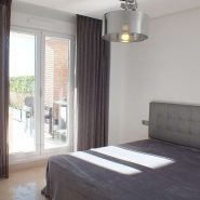 Los Robles_Los Arqueros_ Benahavis_Ground floor apartment master bedroom_Realista Quality Properties Marbella